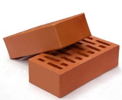 Прочность стен достигается перевязкой швов кладки, которая бывает многорядной и однорядной.  При однорядной перевязке.